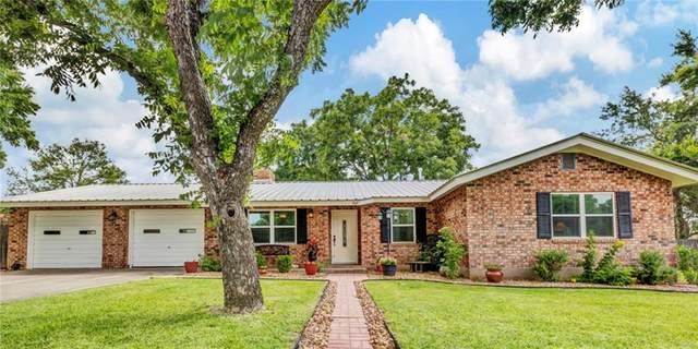 302 Westmoor St, Fredericksburg, TX 78624 (#7889807) :: Papasan Real Estate Team @ Keller Williams Realty
