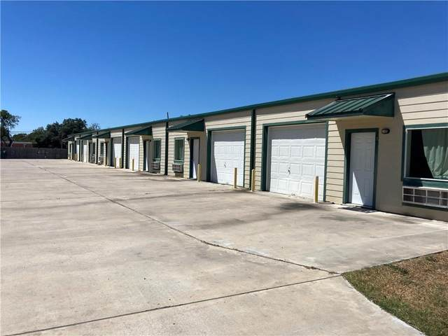 815 Saint Peter St, Gonzales, TX 78629 (#7985511) :: Papasan Real Estate Team @ Keller Williams Realty