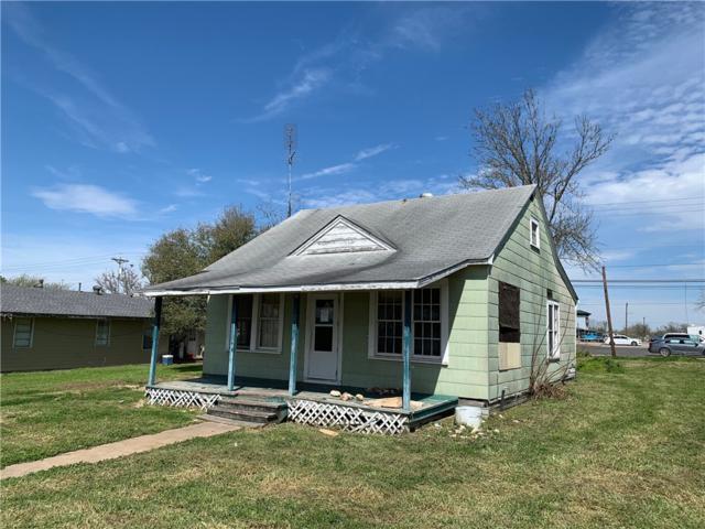 555 W Hempstead St, Giddings, TX 78942 (#8155875) :: Papasan Real Estate Team @ Keller Williams Realty