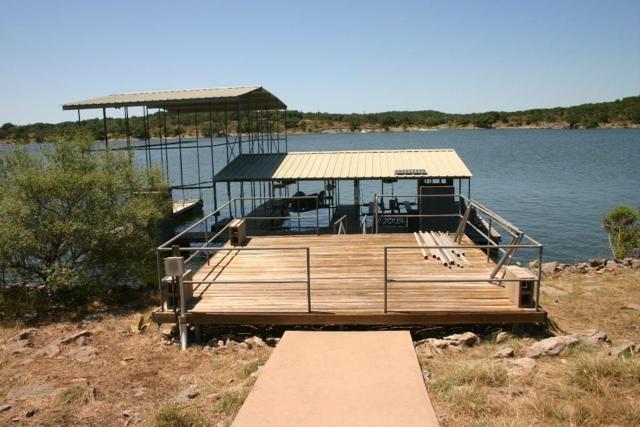 2810 Truman Cv, Lago Vista, TX 78645 (#8483549) :: Watters International