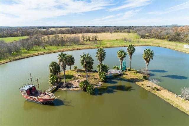 2107 Kirkham Rd, La Grange, TX 78945 (#8669845) :: The Perry Henderson Group at Berkshire Hathaway Texas Realty