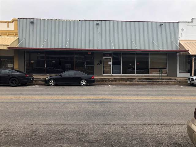 620 N Saint Joseph St, Gonzales, TX 78629 (#8721817) :: RE/MAX Capital City