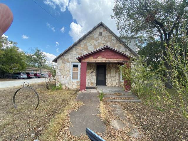 208 Love Ave, Florence, TX 76527 (#8771075) :: Service First Real Estate