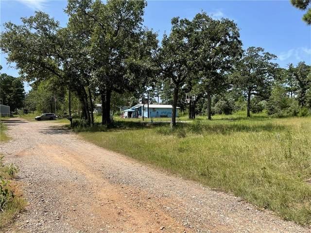 132 Pine Hill Loop, Bastrop, TX 78602 (#8941412) :: Sunburst Realty