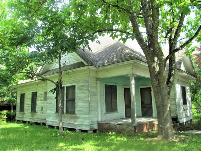 403 N La Grange St, Flatonia, TX 78941 (#9106565) :: Ben Kinney Real Estate Team