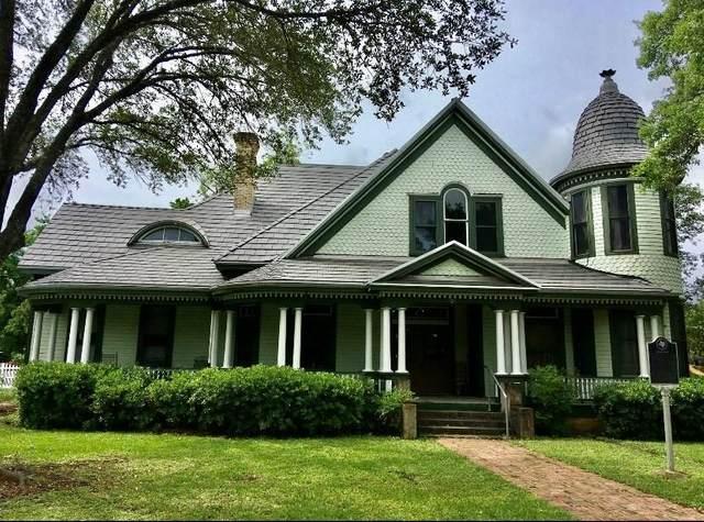703 Johnson Ave, Seguin, TX 78155 (#9168188) :: Watters International