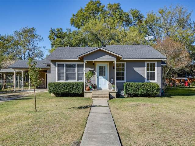 913 W Live Oak St, Lockhart, TX 78644 (#9193050) :: The Perry Henderson Group at Berkshire Hathaway Texas Realty