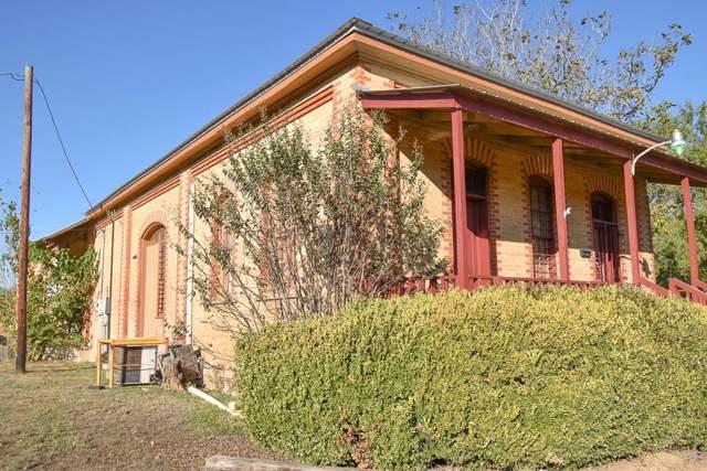 208 Texas St, Rockdale, TX 76567 (#9198475) :: Papasan Real Estate Team @ Keller Williams Realty