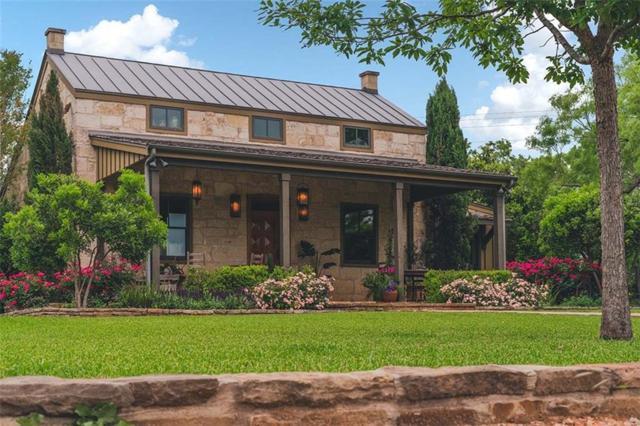 535 N Lee St, Fredericksburg, TX 78624 (#9293215) :: The Heyl Group at Keller Williams