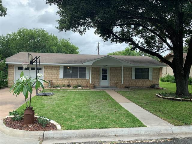 207 Klesel St, Schulenburg, TX 78956 (#9413891) :: The Perry Henderson Group at Berkshire Hathaway Texas Realty