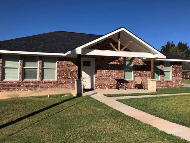 591 Sunrise Ave, Giddings, TX 78942 (#9573471) :: The Perry Henderson Group at Berkshire Hathaway Texas Realty