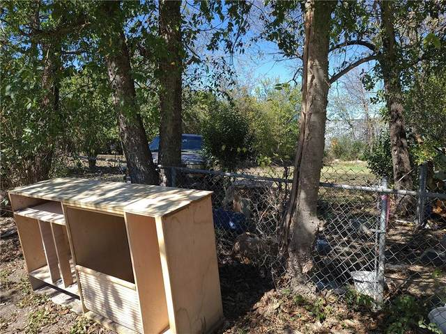 211 E Martin Luther King Jr Blvd, Taylor, TX 76574 (#9636138) :: Papasan Real Estate Team @ Keller Williams Realty