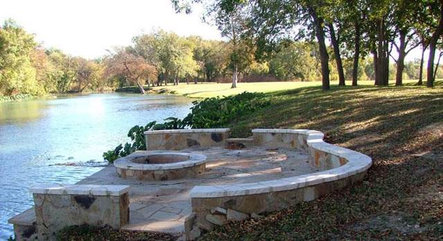 125 River Lakes Lane, Martindale, TX 78655 (#9780709) :: The Perry Henderson Group at Berkshire Hathaway Texas Realty