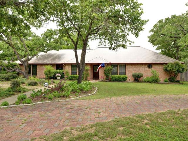 233 W Oak Loop, Cedar Creek, TX 78612 (#9831540) :: The Perry Henderson Group at Berkshire Hathaway Texas Realty