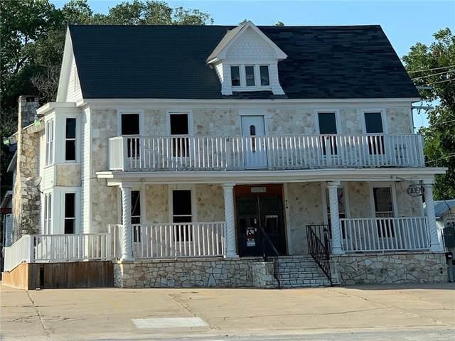 710 W Travis St, La Grange, TX 78945 (MLS #9841763) :: Vista Real Estate