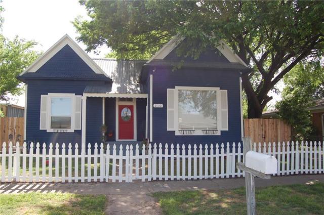 210 N Avenue C, Elgin, TX 78621 (#9867551) :: Watters International