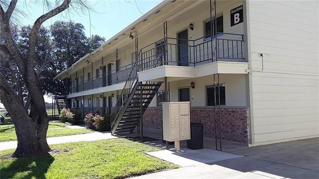 2500 Avenue E, Hondo, TX 78861 (#9934450) :: Papasan Real Estate Team @ Keller Williams Realty