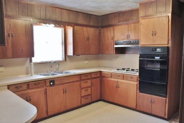 136 W Davilla St, Bartlett, TX 76511 (#9955123) :: The ZinaSells Group