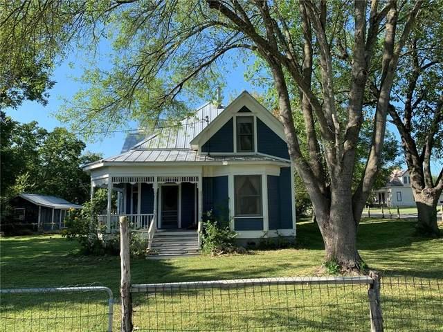 203 W Walnut St, Pflugerville, TX 78660 (#9986535) :: Zina & Co. Real Estate
