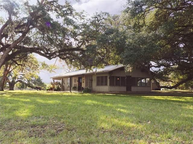 1416 County Road 125, Hallettsville, TX 77964 (#9987548) :: Watters International