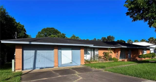 916 Meyer St, Sealy, TX 77474 (#1720228) :: Papasan Real Estate Team @ Keller Williams Realty