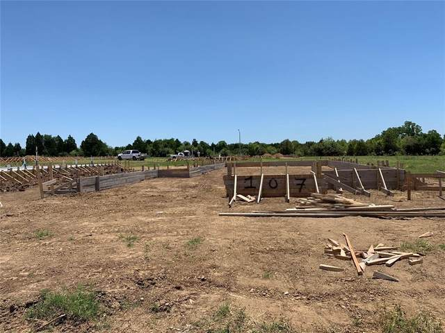 107 Insider Loop, Elgin, TX 78621 (#1845151) :: Zina & Co. Real Estate