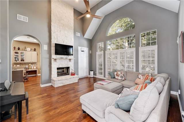 5 Butterfly Pl, The Hills, TX 78738 (#1956029) :: Papasan Real Estate Team @ Keller Williams Realty