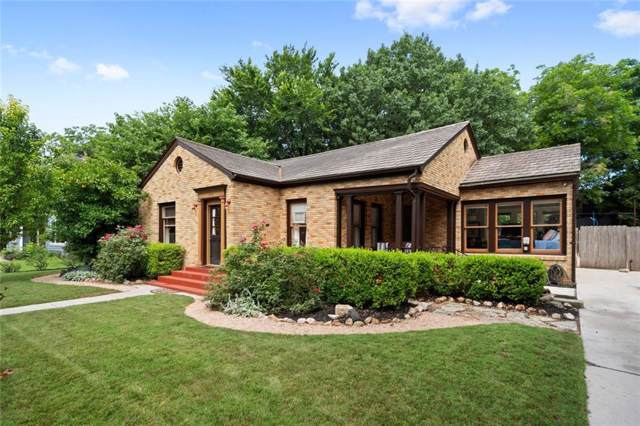 608 W Hopkins, San Marcos, TX 78666 (#3015424) :: The Perry Henderson Group at Berkshire Hathaway Texas Realty