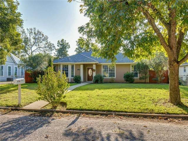 702 Burleson St, Smithville, TX 78957 (#3095991) :: Green City Realty
