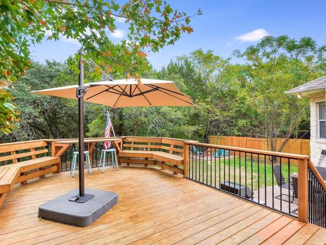 12812 Majestic Oaks Dr, Austin, TX 78732 (#4228962) :: The Perry Henderson Group at Berkshire Hathaway Texas Realty