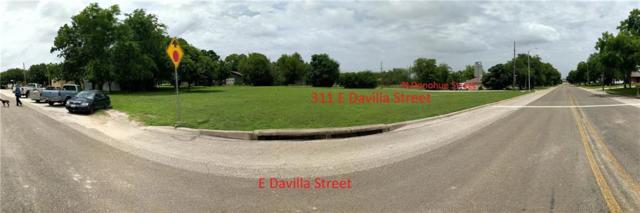 311 E Davilla St, Granger, TX 76530 (#5162276) :: The Heyl Group at Keller Williams