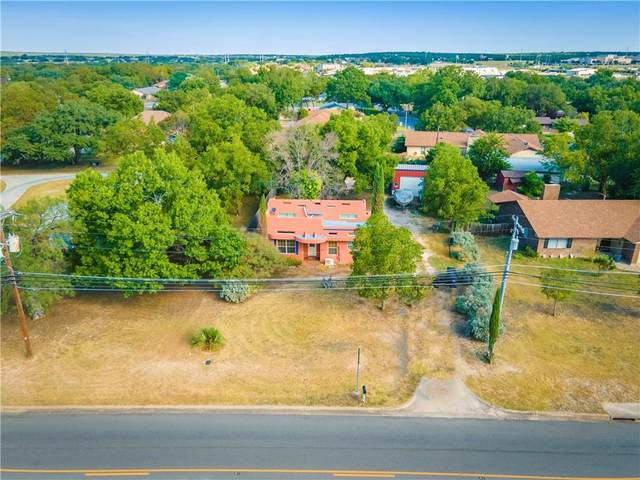 106 E Graves St, Burnet, TX 78611 (#5368988) :: Papasan Real Estate Team @ Keller Williams Realty