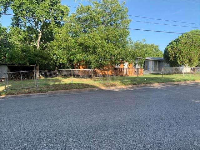 1415 Robertson St, Gonzales, TX 78629 (#5823573) :: Papasan Real Estate Team @ Keller Williams Realty