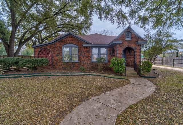 930 E Pierce St, Luling, TX 78648 (#5961528) :: The Perry Henderson Group at Berkshire Hathaway Texas Realty