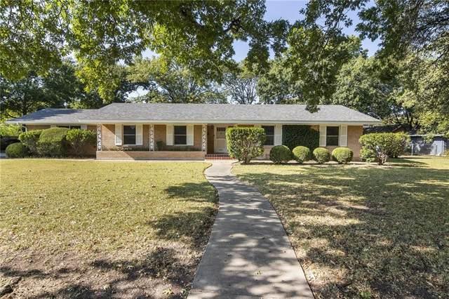 1215 W Live Oak St, Lockhart, TX 78644 (MLS #5996103) :: Brautigan Realty