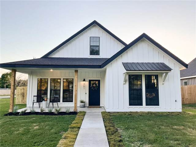 301 Lizzie St, Taylor, TX 76574 (#6442288) :: The Heyl Group at Keller Williams