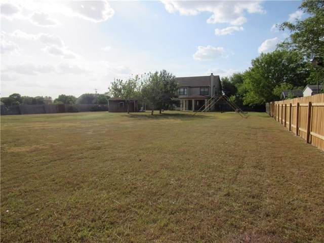 7001 High Meadows Ln, Kyle, TX 78640 (#6846893) :: The Perry Henderson Group at Berkshire Hathaway Texas Realty