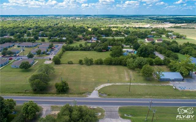 1203 Blackjack St, Lockhart, TX 78644 (#7586358) :: R3 Marketing Group