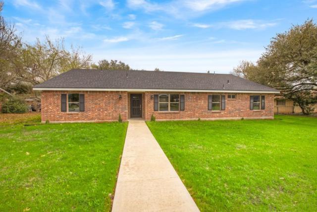 711 N King St, Seguin, TX 78155 (#7591017) :: Papasan Real Estate Team @ Keller Williams Realty