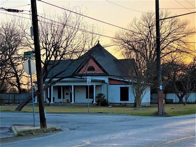 105 San Jacinto St, Lockhart, TX 78644 (#7600902) :: Papasan Real Estate Team @ Keller Williams Realty