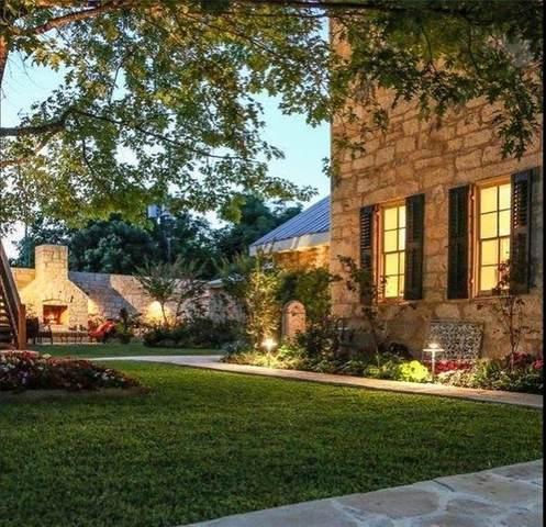 106 S Lincoln St, Fredericksburg, TX 78624 (#8760870) :: Azuri Group | All City Real Estate