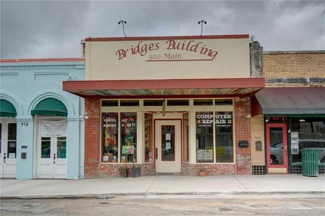 920 Main St, Bastrop, TX 78602 (#8868817) :: Lancashire Group at Keller Williams Realty