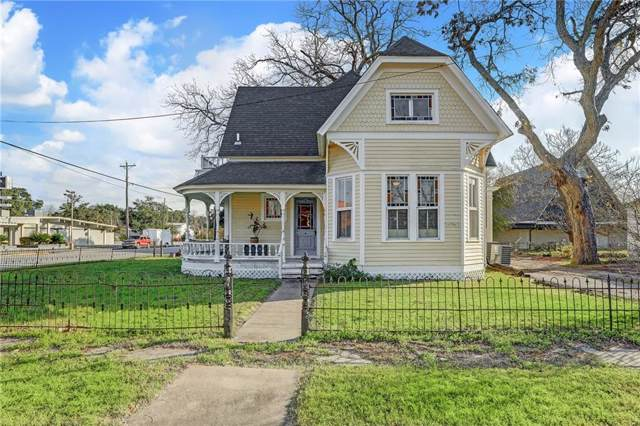 302 W Market St, Lockhart, TX 78644 (#8895081) :: The Perry Henderson Group at Berkshire Hathaway Texas Realty