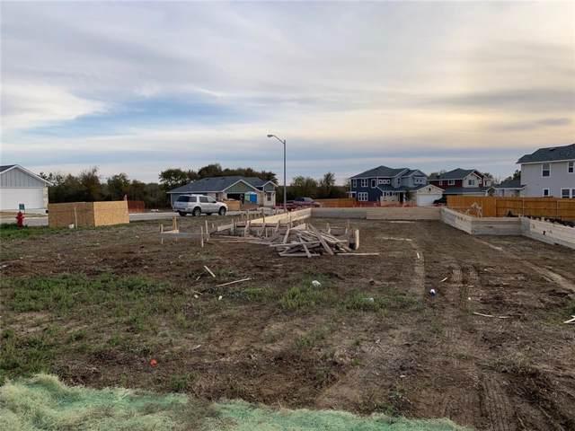 201 Saranac Drive, Elgin, TX 78621 (#9422631) :: The Perry Henderson Group at Berkshire Hathaway Texas Realty