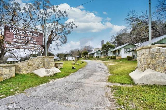 1103 Maple St, Bandera, TX 78003 (#9862939) :: Ben Kinney Real Estate Team