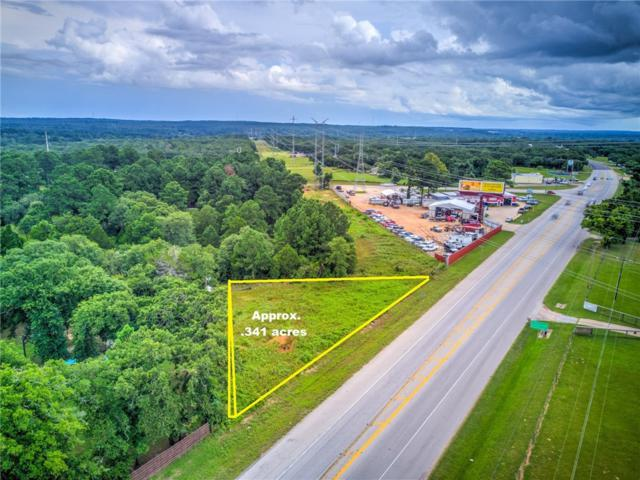 135 Phelan Rd, Bastrop, TX 78602 (#3097384) :: The Perry Henderson Group at Berkshire Hathaway Texas Realty