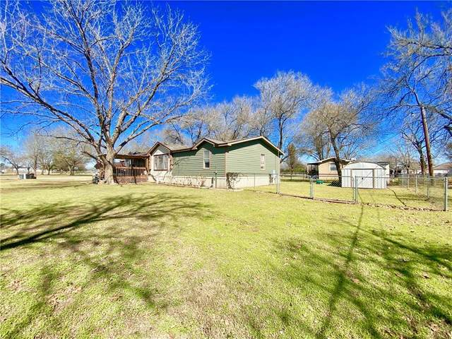1100 SE 1st St, Smithville, TX 78957 (#3438812) :: The Summers Group