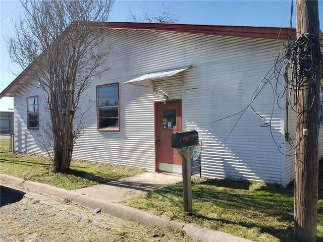 185 S Titus St, Giddings, TX 78942 (#4833175) :: Lucido Global