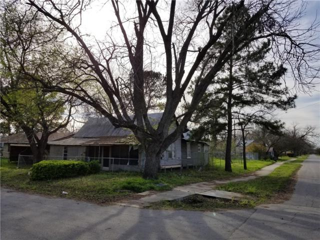 400 Ross St, Smithville, TX 78957 (#5047720) :: Papasan Real Estate Team @ Keller Williams Realty