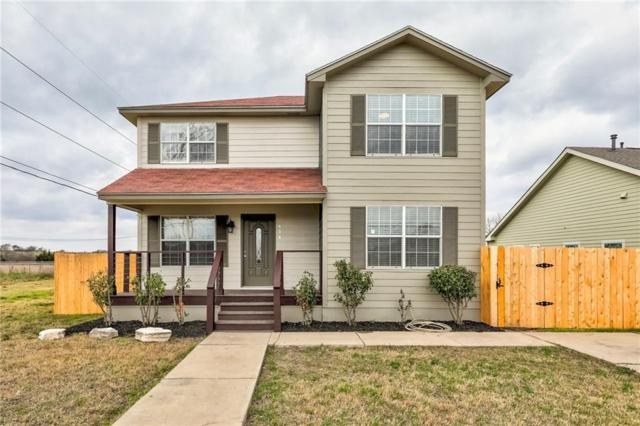 414 S Doak St, Taylor, TX 76574 (#3317559) :: The Perry Henderson Group at Berkshire Hathaway Texas Realty
